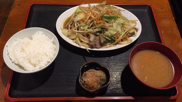 野菜炒め定食(牛肉入り)